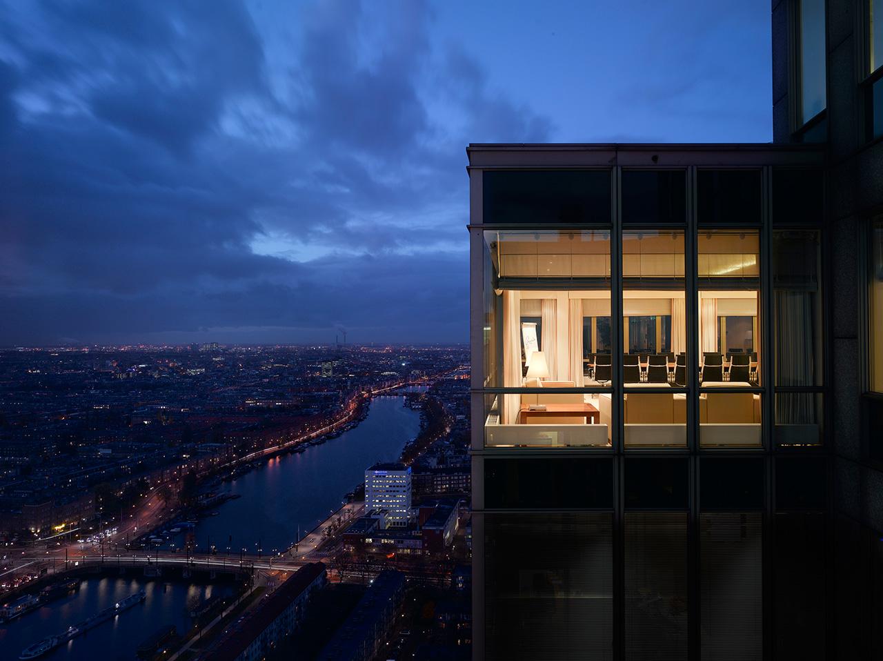 Rembrandt-Tower-Boardroom-14