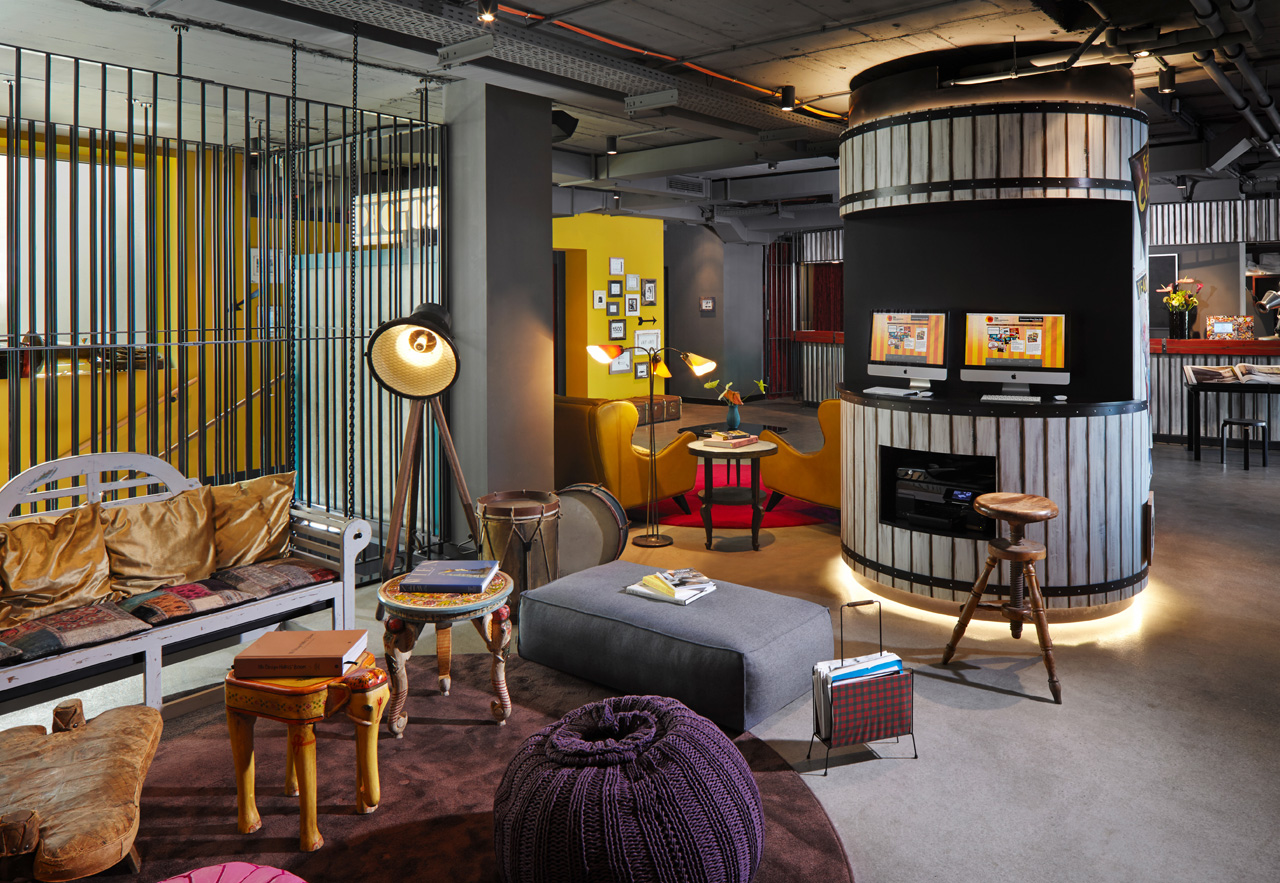 25hours hotel vienna an eccentric colourful venue with for Hotels 25 hours