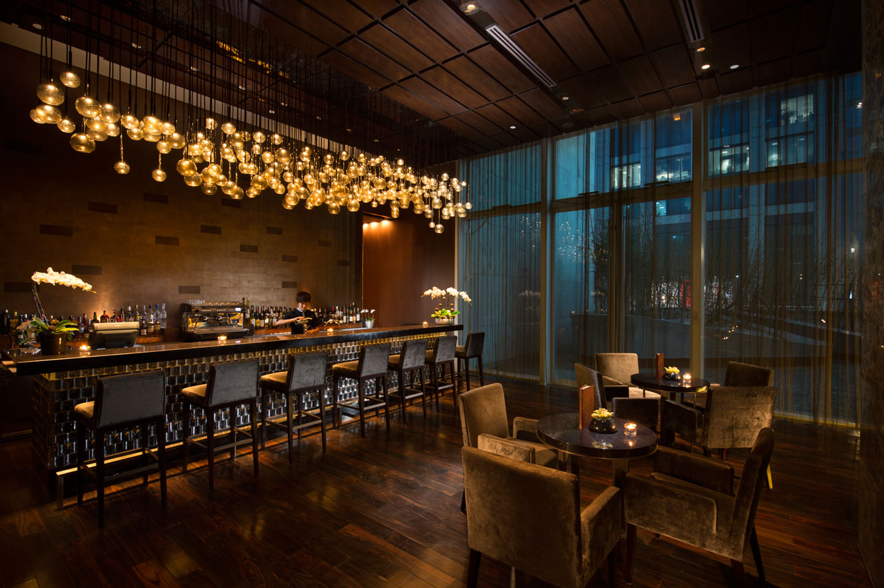 Conrad beijing contemporary design mixed with beijing 39 s for Hotel lobby design trends