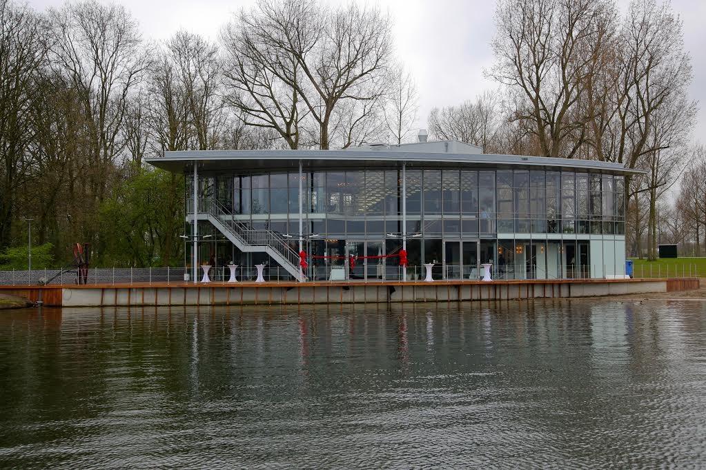 Boathouse 02 - Bill de Kimpe