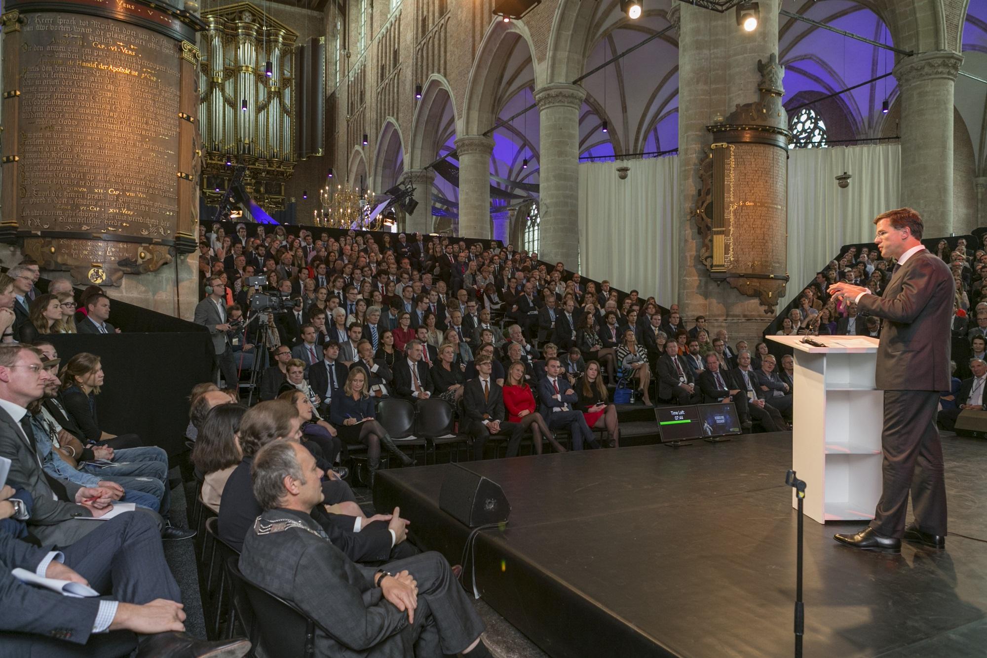 Bevrijd van zekerheid, 35ste symposium met gast-spreker Minister President Mark Rutte, georganiseerd door de Veerstichting
