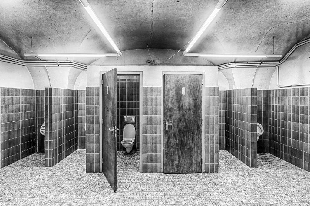 toilet SugarCity