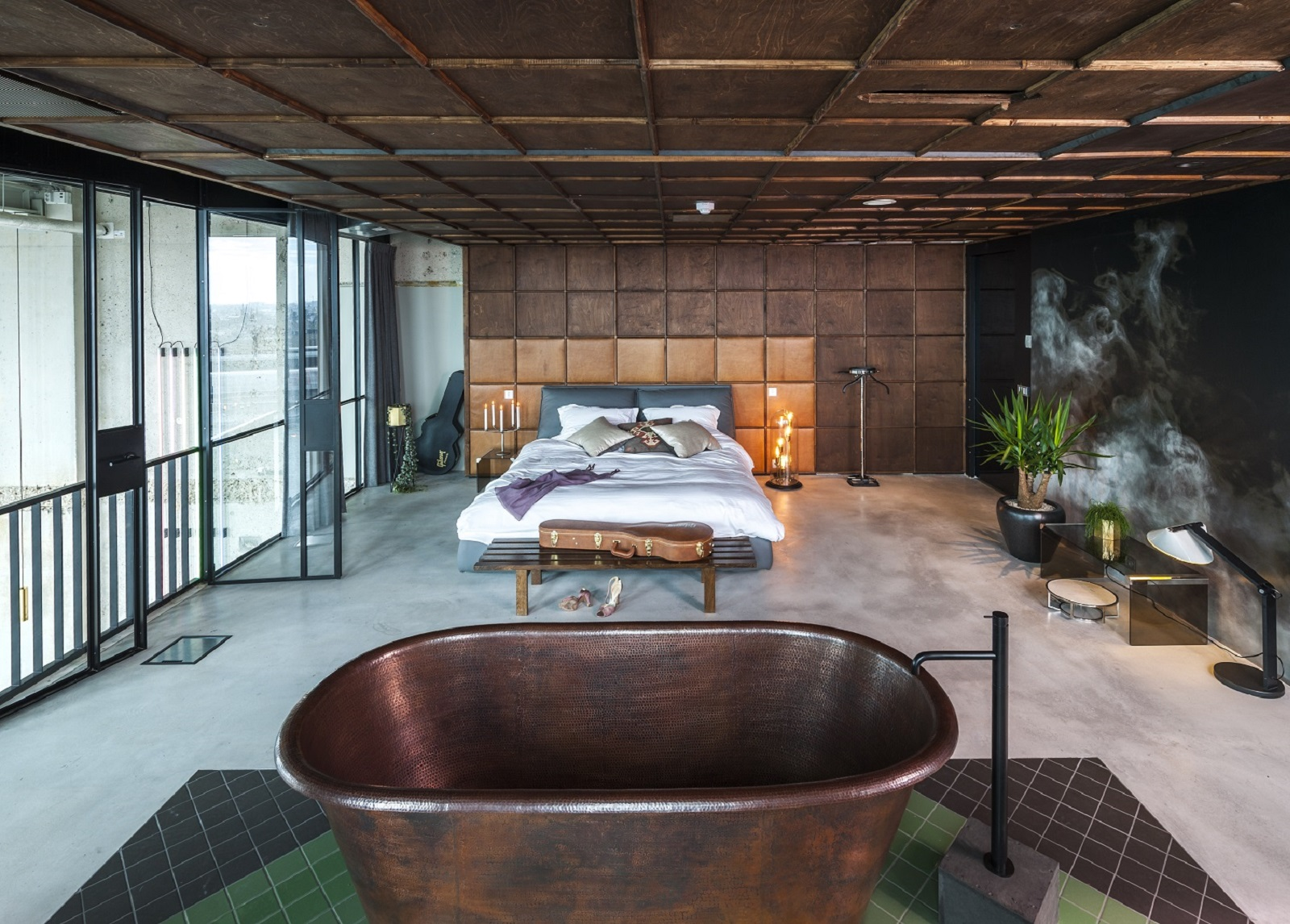 Binnen in a 39 dam toren the loft is spectaculaire for Interieur design amsterdam