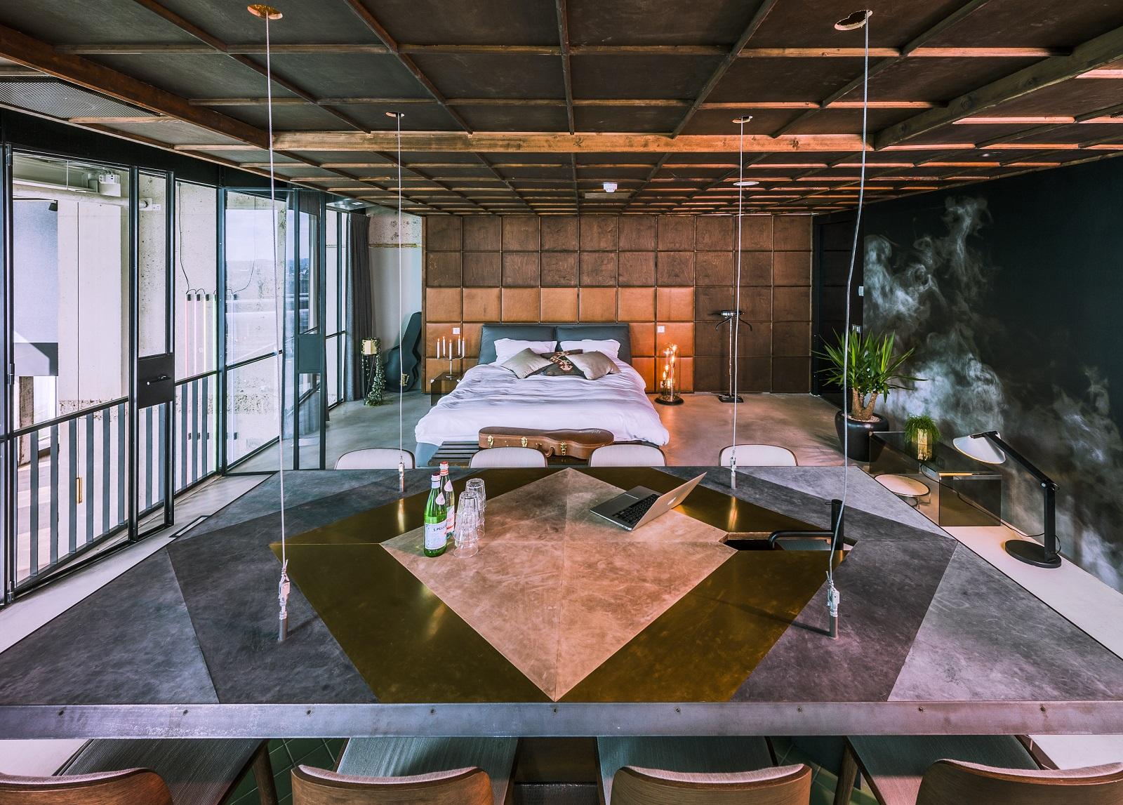 Binnen in a 39 dam toren the loft is spectaculaire eventspace - Woonkamer design bibliotheek ...