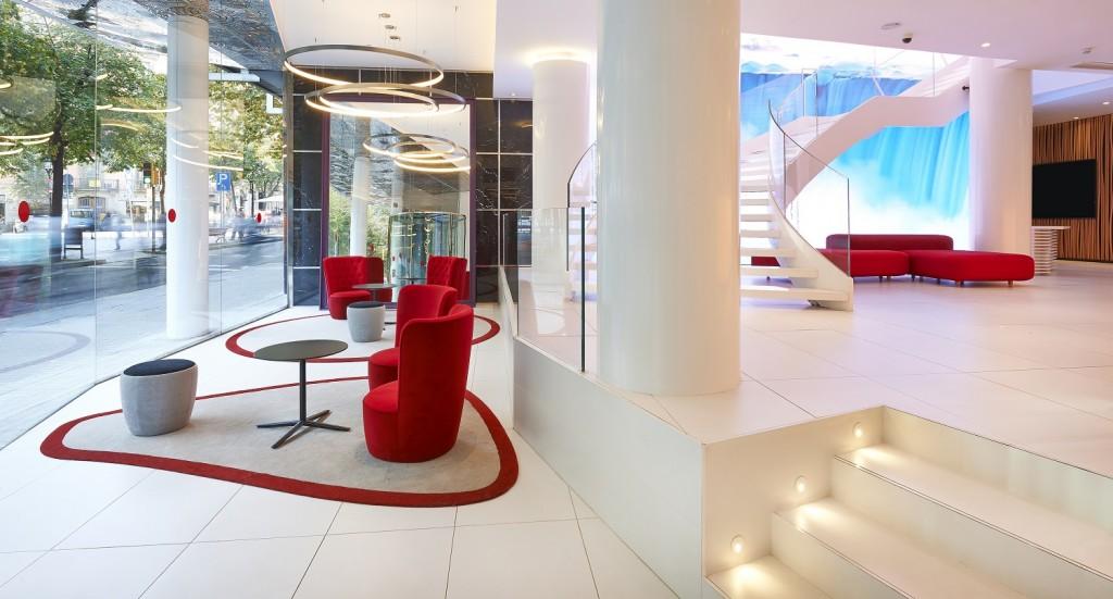 nh opent twee nieuwe vijfsterrenhotels in madrid en barcelona. Black Bedroom Furniture Sets. Home Design Ideas