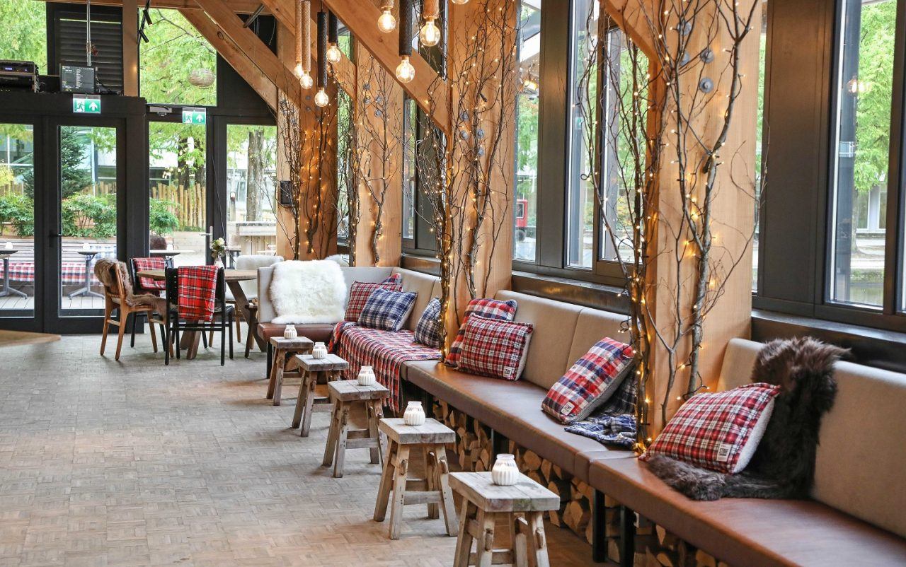 Strandzuid Amsterdam Transforms into Wintery Event Venue Zuidpool ...